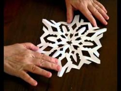 Как правильно вырезать снежинку из бумаги