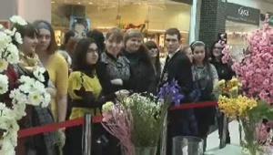 Бикбаев поздравляет с 8 марта