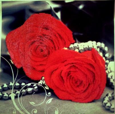 роза под жемчугом